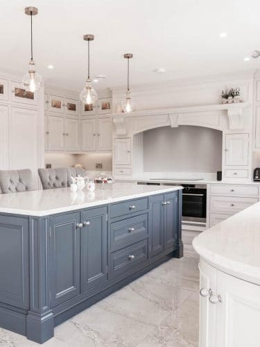 HANDMADE FITTED KITCHENS